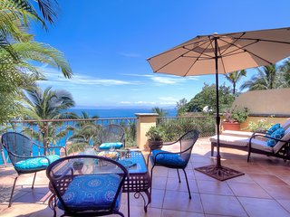 Short Walk to Beach, 10,500' sq. of Glamorous Living Space, Heated Pool, Cook
