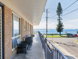 Shoal Towers, Unit 1/11 Shoal Bay Road