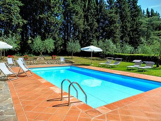 Castel Petraio Villa Sleeps 14 with Pool Air Con and WiFi - 5228909