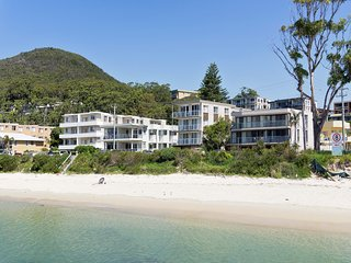 Shoal Edge, Unit 1/31Shoal Bay Road