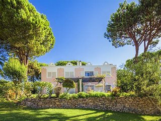 Quinta do Lago 1BR - Quiet and Stylish Accommodations, Resort Golf & Pool!