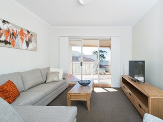 Barrington, Unit 406/35-45 Shoal Bay Road