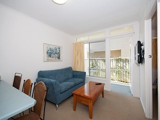 Beachside, Unit 4/7 Shoal Bay Road