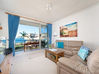 Bella Vista, Unit 10/19 Shoal Bay Road