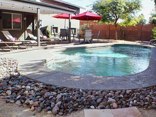 Old Town Home w/Private Pool - 4 Bed/3 Bath - By Spring Training Newly Updated