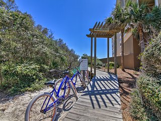 '30A Hideaway' w/ Private Beach Access & Bikes!