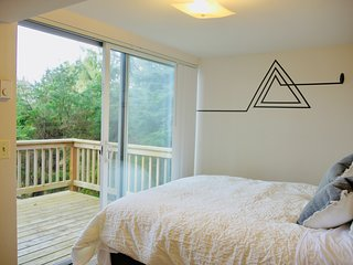 Ocean TreeHut (Cannon Beach Monthly Stay w/one pet)