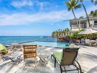 Moana Grace Combo - 9 Bedroom Sleeps 20/ Private pool/ Ocean front/ Jacuzzi spa
