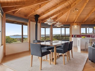 Dining area overlooking Great Oyster Bay