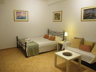 Studio apartment in the center of Athens with Internet, Air conditioning (548362