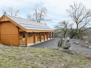 THE GATHERING - APPLE CABIN, open plan, en-suite, incredible views, Ref. 962690