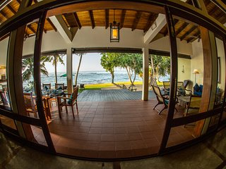 South Point Villa - 3 bedroom  luxury villa on the beach, Pool, Lovely beach Sea