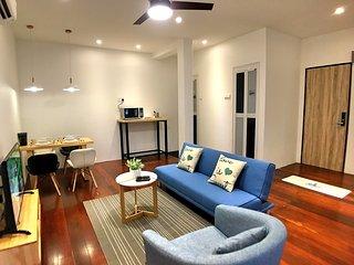 iBook 7 2-Bedroom Studio Suites ( 5 - 7 person )