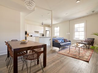 Gorgeous 1BR on St. Charles by Sonder