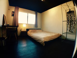 Hongdae Queen Bedroom AB Guest House