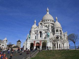 parisbeapartofit - Sacre-Coeur Rue Lepic (535)