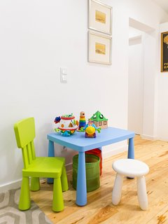 WHEN BABIES COME... small table and chairs