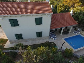 Modern holiday home on Brač