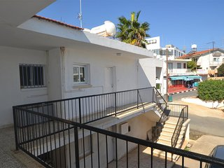 Spacious 2 Bedroom Apartment in Ayia Napa Centre (Andrea)