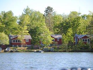 Landing Bay Resort- Cabin #1