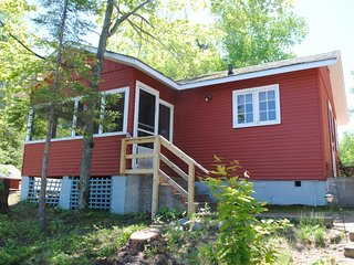 Landing Bay Resort - Cabin #3