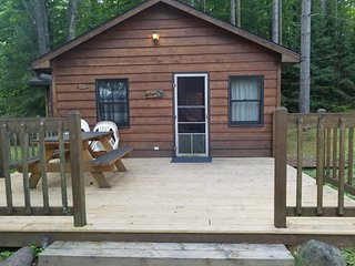 Old Stoney's Resort - Walleye Cabin