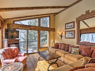 NEW! Remodeled Condo w/Deck 7 Mins to Vail Village
