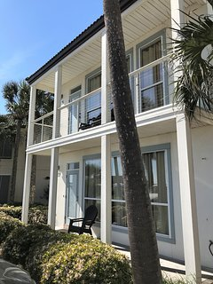 Spring Break $1695/Week for a 2 Bedroom Villa Across from Beach! Views!