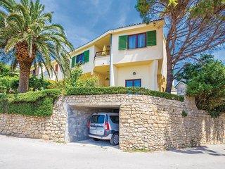 3 bedroom Villa in Rab, Primorsko-Goranska Zupanija, Croatia : ref 5521603