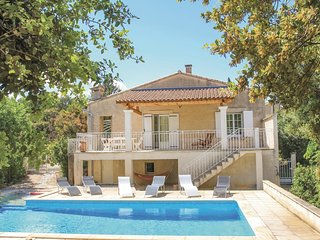 2 bedroom Villa in Mérindol, Provence-Alpes-Côte d'Azur, France : ref 5522449