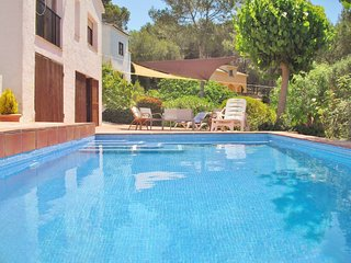 Pool villa with free wifi and beautiful mountain views near Sitges, Barcelona -