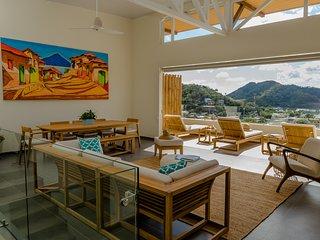 3 Bedroom Home, Private Pool & Maids Quarters - La Santa Maria