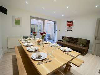 CENTRAL BRIGHTON TOWNHOUSE, SLEEPS 15