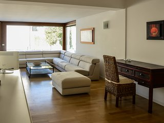 Extra Large Attic with 3 bedroom, 3 bathroo, big terrace and A/c