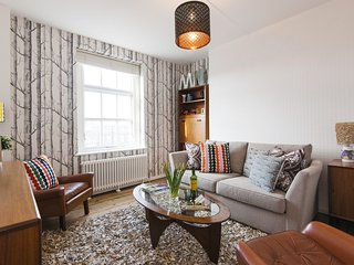 Apartment in London with Internet, Balcony, Washing machine (914201)