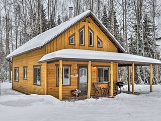NEW! 1BR+Loft Kenai Cabin - 20 Mins to Downtown!