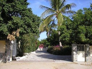 Casa de Las Palmas - Your Own Private Resort on the Beach! BR5