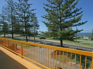 Burleigh - great house, room for the boat- across the road from beach