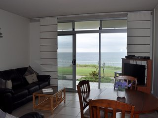 Craigmore On The Beach Unit 4 - ground floor with views