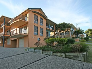 Phoenix Terrace - large townhouse in Yamba