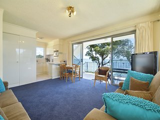Shoal Towers, Unit 6/11 Shoal Bay Road