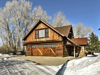 NEW! Modern Bozeman Home 20 Mi. to Bridger Skiing!
