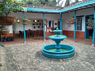 Colonial Country House - Casa Colonial Campestre (Rancho Aguas Claras)