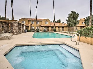 NEW! Charming Phoenix Condo w/ Pool & Hot Tub!