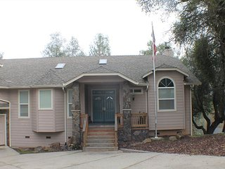 05-001 Gorgeous big luxurious home