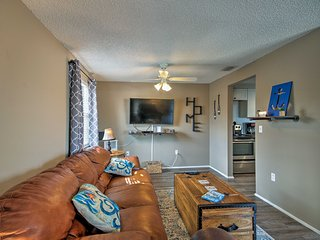 Charming Condo w/ Pool 10 Mins to DT Bradenton!