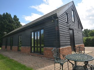 44026 Cottage situated in Saffron Walden (5mls SW)