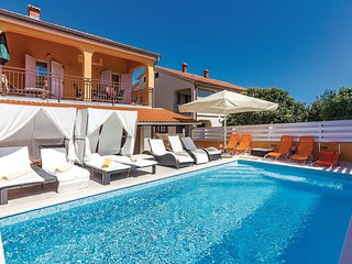 6 bedroom Villa in Banjole, Istria, Croatia : ref 5583372