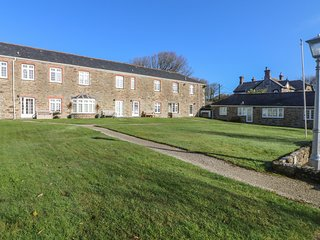 SUNNY CORNER, stone-built, character, close to Newquay, Ref 959369