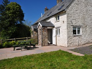 51153 Cottage situated in Brecon (5.5mls NE)